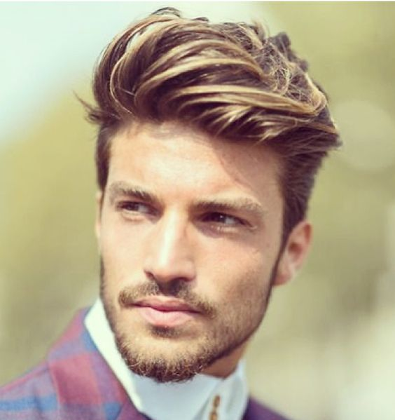 Trend: Italian model with highlights and long hair